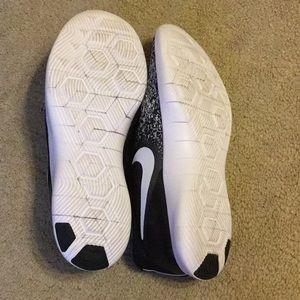 Nike Shoes - Nike Flex Contact Tennis Shoes